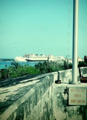 Un bateau de croisière aux Bahamas. Photo : Megan Jorgensen.
