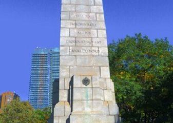 Monuments aux soldats canadiens tombés dans les guerres. Photographie de Megan Jorgensen.
