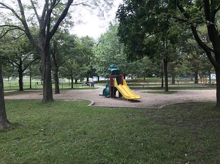 Parc Ignace-Bourget. Aire de jeux pour enfants. Photographie de Megan Jorgensen.