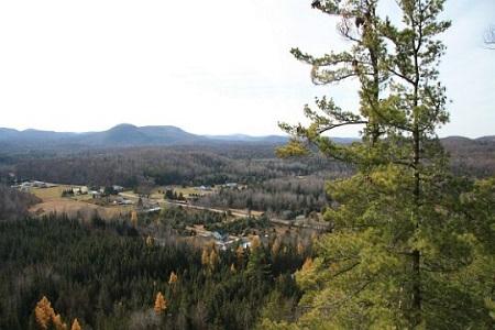 Chemin du Chevreuil-Blanc. Source de la photographie : Site Web de la municipalié de Bowman.