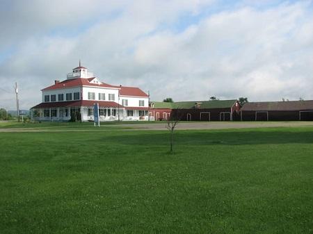 Maison historique George Bryson. Source de la photographie : maisonbryson.com.