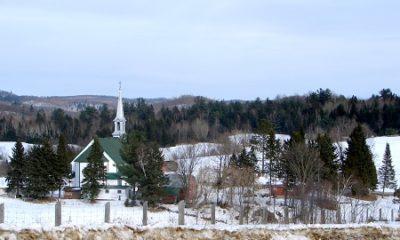 Regard sur la municipalité de Mayo. Source de la photographie : commons.wikimedia.org/wiki/File:Mayo_QC.JPG. Auteur : P199.