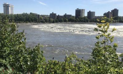 Rivière des Prairies à la hauteur du barrage, vue depuis Saint-Vincent-de-Paul. Photographie de Megan Jorgensen.