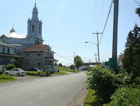 Saint-Moïse, rue Principale. Source de l'image : Site Web de la municipalité.