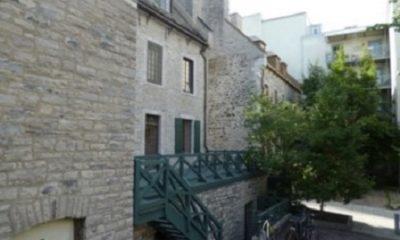 Rien n'est beau comme ces maisons du siècle dix-septième. (Gérard de Nerval La Main enchantée (Histoire macaronique). Photographie de Megan Jorgensen.