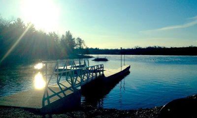 Le quai public sur le lac Poupore. Source de la photographie : Site Web de Chichester.