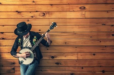 La musique country: une manière de faire vivre la culture Western. Source: Pixabay
