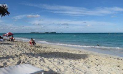 C'est ce dérèglement de nos plaisirs qui dérègle notre coeur, qui est la source la plus féconde de nos maux. (Nicolas de Malebranche Meditations sur l'humilité et la pénitence.) La plage et le sable, photographie de Megan Jorgense.