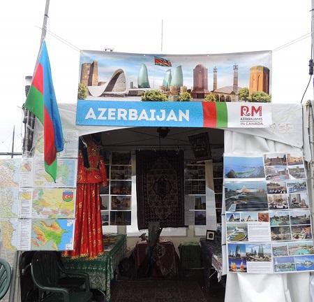 Pavillon de la République de l'Azerbaïdjan au Festival Orientalys du Vieux-Montréal. Photographie de Murad Nazarov.