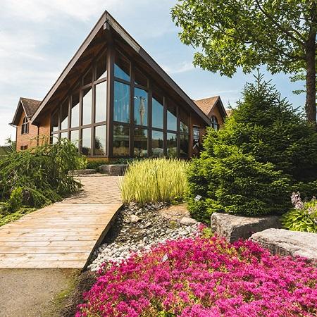 Poste d'accueil du Jardin Scullion.  Source de l'image : Site Web de la municipalité de L'Ascension-de-Notre-Seigneur.