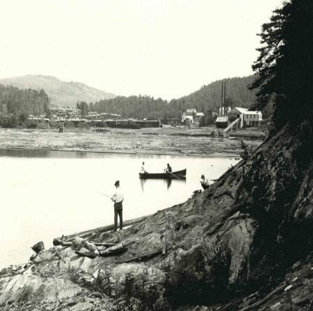 Vue sur la municipalité de Montcalm dans les années cinquante du XXe siècle. Source de la photo : site Internet de la municipalité de Montcalm.