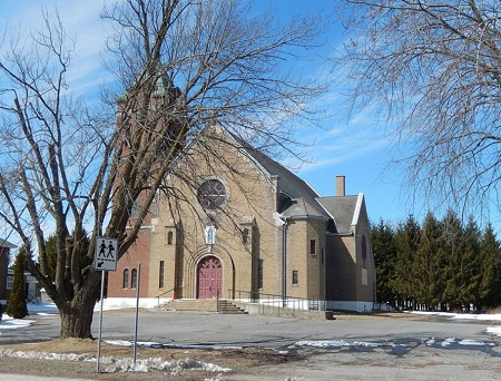 Église de Notre-Dame-de-Lourdes. Source de la photo : commons.wikimedia.org/wiki/File:Notre-Dame-de-Lourdes,_Joliette_01.JPG. Auteur : Frailambert.
