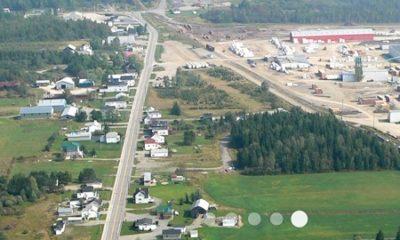 Vue aérienne de Saint-Just-de-Bretenières. Source de la photo : Site Web de la municipalité.