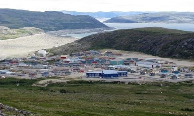 Vue générale de Kangiqsualujjuaq. Source de l'image : upload.wikimedia.org/wikipedia/commons/2/29/3001_LC_Kangiqsualujjuaq_hike.jpg. Auteur de la photo : Lkovac.