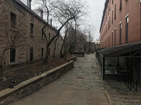 Écuries du Vieux-Montréal. Photographie de GrandQuebec.com.