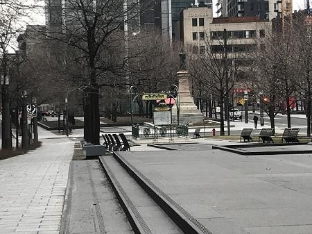 Station de métro Square Victoria- OACI, l'épidémie du COVID-19 bat son plein. Photo de GrandQuebec.com.