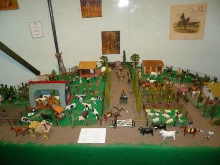 Un rancho protégé par des soldats.