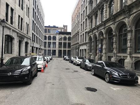 Rues du Vieux-Montréal lors de la pandémie du Covid19, en 2020. Photo de GrandQuebec.com.