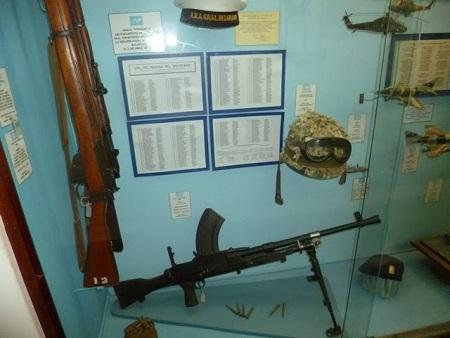 Armes, uniformes, équipement utilisés à la guerre des Malouines.