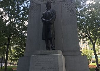 Monument à Wilfrid Laurier dans le parc Dominion de Montréal. Photo de Megan Jorgensen.