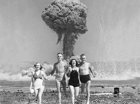 La bombe de l'affaire Rossillon. Photo des années 1960, image libre de droits.