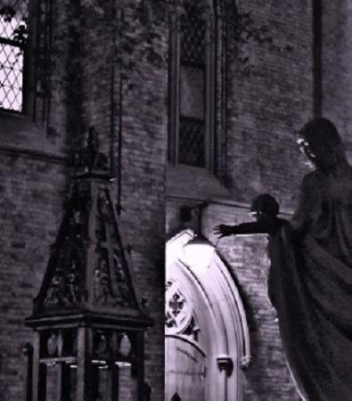 Enfant Jésus. Cathédrale de St-Michel de Toronto. Photo de Megan Jorgensen.