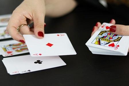 Jeux de cartes, source d'image Pixabay.