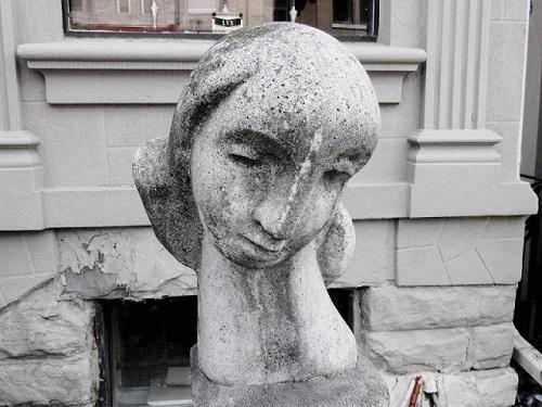 La tête d'une femme. Photo de Megan Jorgensen.