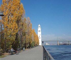 Le Vieux-Port en novembre. Photo de GrandQuebec.com.