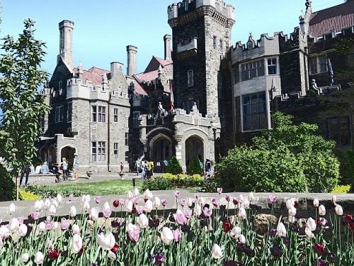 Un bâtiment gothique. Photo de Megan Jorgensen.