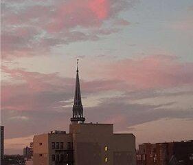 Montréal, le soir. Photo de GrandQuebec.com.