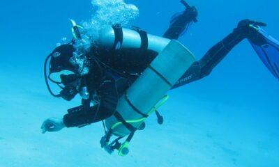Une plongeuse sous-marine. Photo de GrandQuebec.com.