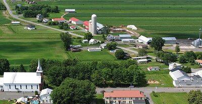 Vue générale de la municipalité de Saint-Elphège. Source de la photographie : Site Web de la municipalité.