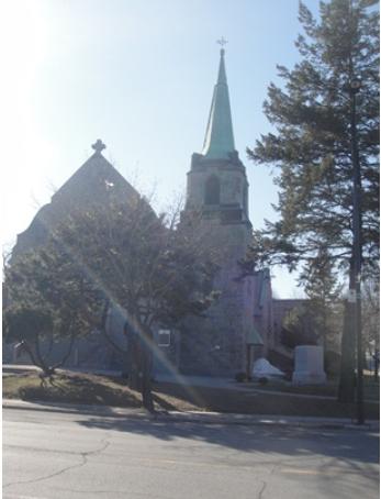 Église Notre-Dame-de-Czestochowa. 2550, avenue Gascon, coin Hochelaga, en face du parc Méderic-Martin. Montréal, Québec, H2K 2W6, CanadaPhoto : © GrandQuebec.com.
