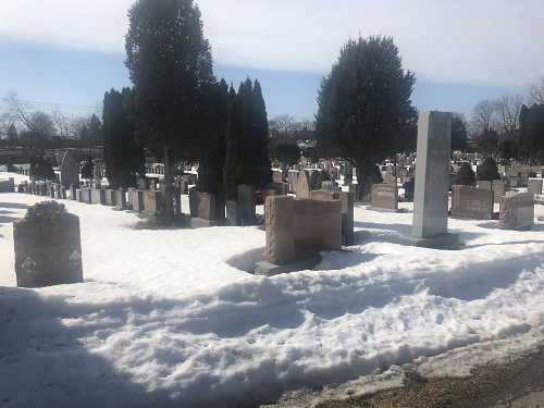 La mort est une surprise que fait l'inconcevable au concevable. Paul Valéry. Photo de GrandQuebec.com.