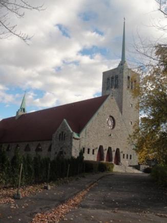 Église orthodoxe d'antioche de la Vierge Marie, intersection Laverdure et Gouin. Photo : © GrandQuebec.com.