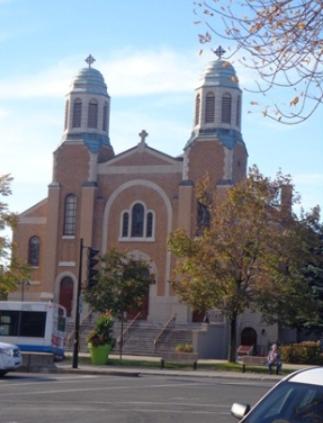 Église St. George Antiochian Orthodox, 555-575 rue Jean-Talon est, Montréal, H2R 1T8. Photo : © GrandQuebec.com.