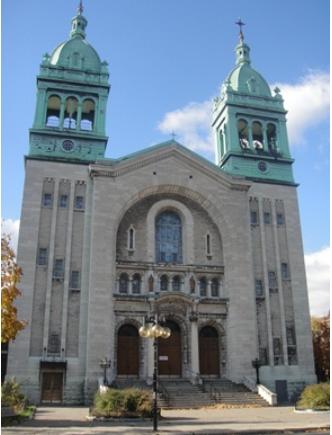 Église Saint-Vincent-Ferrier. 301, rue Jarry Est. Près de la station de métro Jarry. Photo : © GrandQuebec.com.