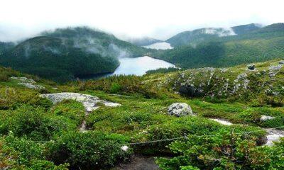 Lac du Moucherolle et du Pic Maculé, Montagne des Érables. Auteur: Judicieux https://commons.wikimedia.org/wiki/File:Lac_du_Moucherolle_et_du_Pic_Macul%C3%A9.jpg