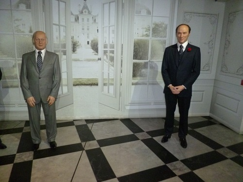 René Lévesque et Pierre-Élliott Trudeau. Photographie de GrandQuebec.com.