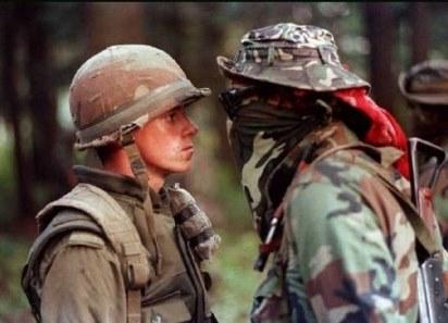 Mohawk et soldat