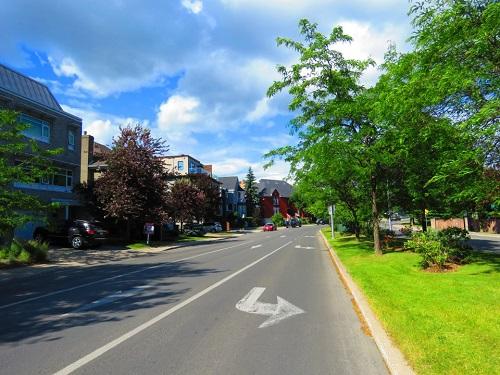 ile Paton, Laval
