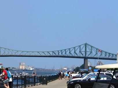 Vue sur le port de Montréal