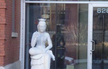 Statue boudhiste