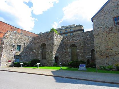 Vestiges de l'Hôpital général de Montréal