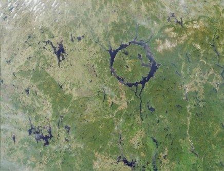 Réservoir de Manicouagan, l'oeil du Québec. Photo NASA, photographie libre de droits.
