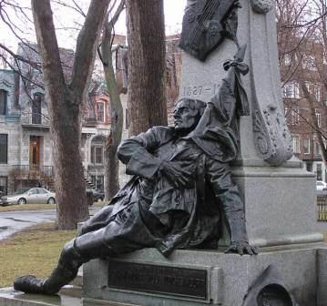 Monument au poète Crémazie. Soldat canadien tombé à Sébastopol. Photo de GrandQuebec.com.