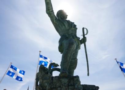 Monument à Robert Surcouf