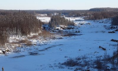 https://commons.wikimedia.org/wiki/File:Eastmain_River_Dec_2005.jpg