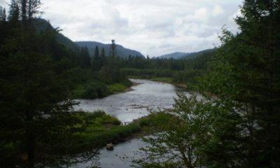 Rivière Sautauriski. Source de la photographie Eldiablo pleinairalacarte.com/qc/region-de-quebec/parc-national-de-la-jacques-cartier/la-riviere-sautauriski-4